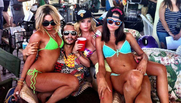 SPring-Breakers-trailer