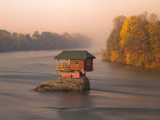 little-house-on-rock-in-the-middle-of-a-river-in-serbia