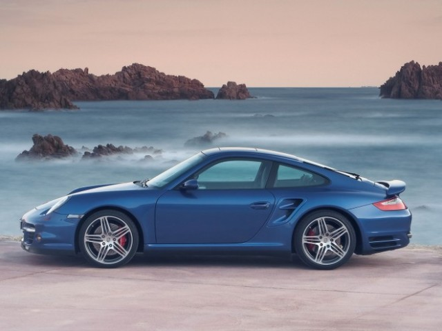 2007-porsche-911-turbo-blue-side-1280x960-660x495