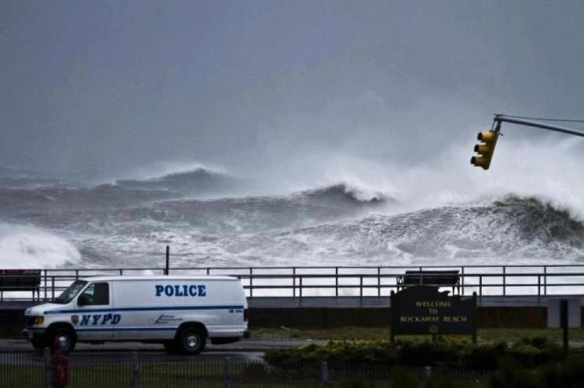 HurricaneSandy_RockawayBeach_NY-NJ-Surf1