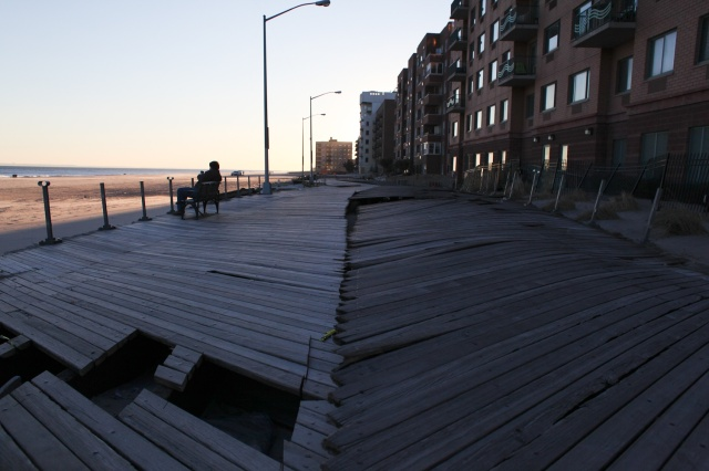 Rockaway-Beach-boarwalk-at-116th-st-in-February-2013